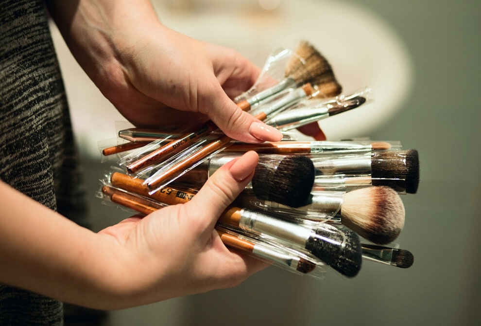 How To Clean Makeup Brushes and Sponges