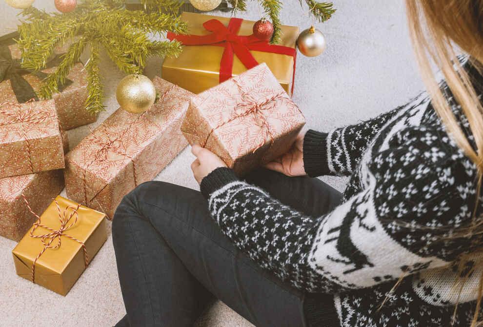 A Boyfriend's Guide To Christmas Shopping
