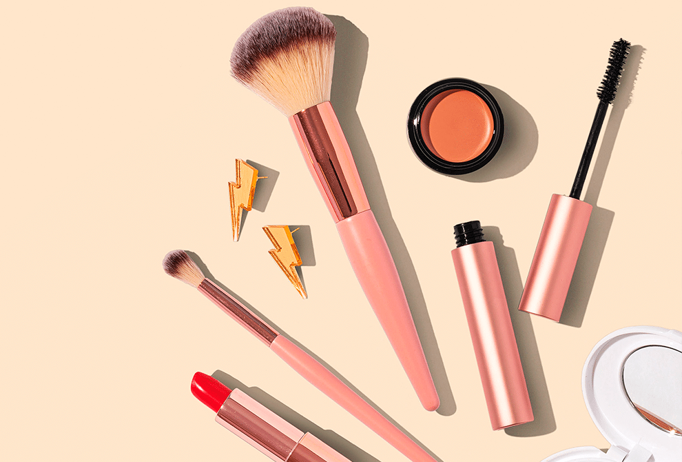 How To Give Your Makeup Brushes A Deep Clean
